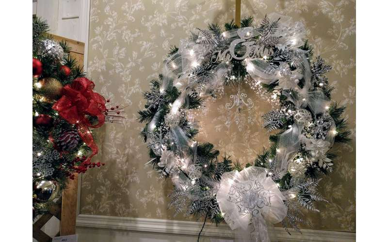 wreath with white lights