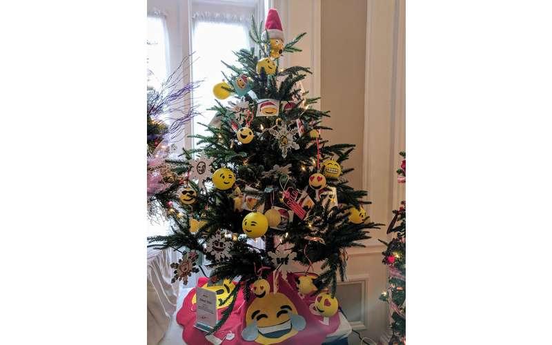 Christmas tree with emojis