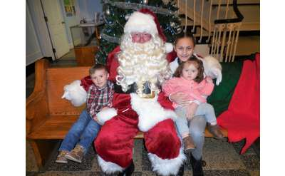 santa claus with kids