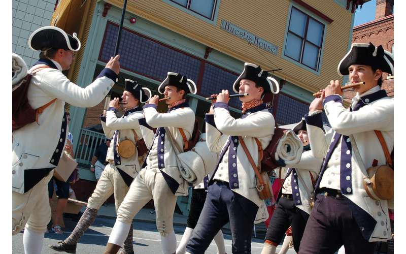 the fife and drum corps from fort ticonderoga performing