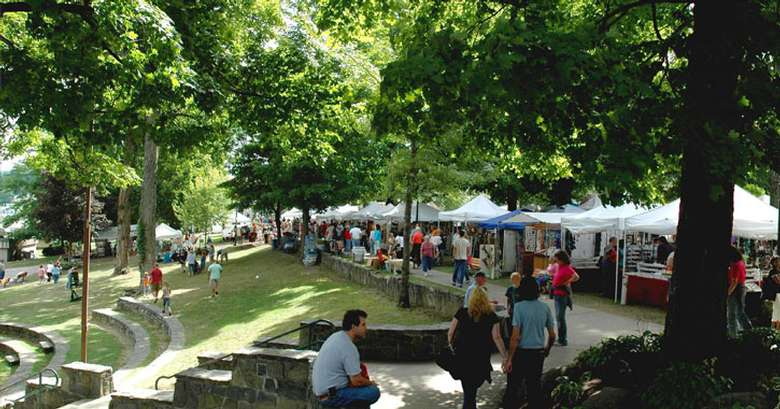 craft show in a park