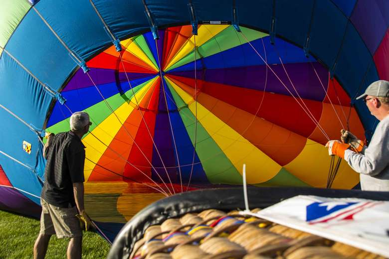 hot air balloon inflating