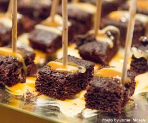wine glasses that say Wine & Dine for the Arts