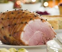 glazed ham that has been cut
