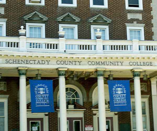 schenectady county community college entrance
