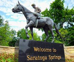 horse welcome to Saratoga statue
