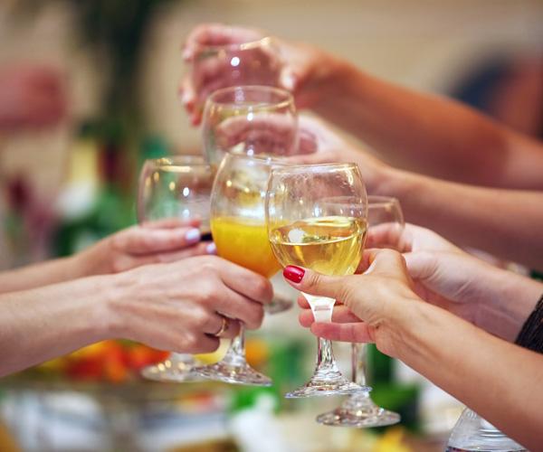 wine glasses toast
