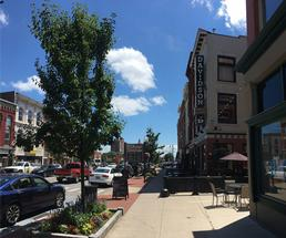 outdoor dining tables in downtown glens falls