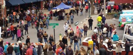 large crowd at chowderfest