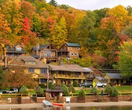 resort/cabins on water in fall