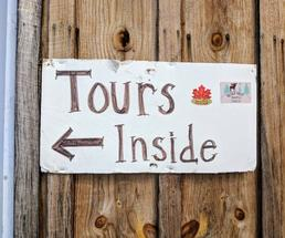 maple tours sign