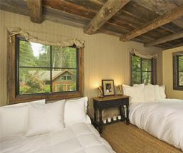 Cabins on Lake George