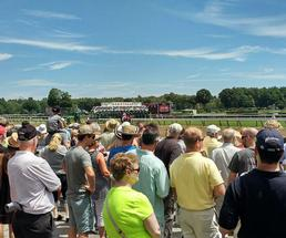 racing fans at saratoga