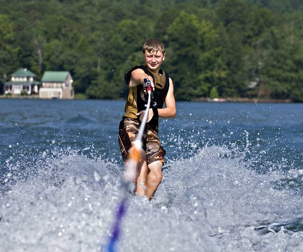 Kid waterskiing on Lake George