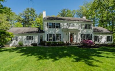 6 Country Squire Ct
