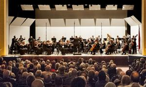 glens falls symphony performing on stage