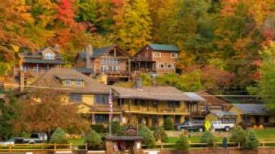 resort/cabins on the water in fall