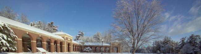 saratoga spa state park building with snow around