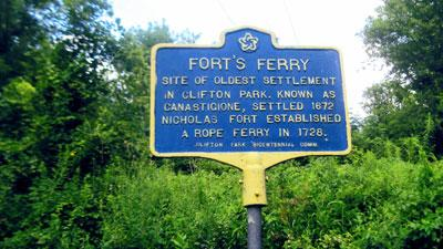 sign for Forts Ferry