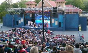 crowd at the Park Playhouse