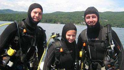 scuba divers on lake george