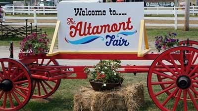 altamont fair wagon with sign